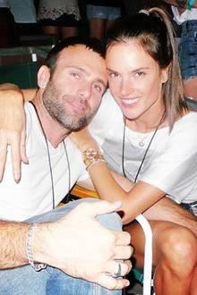 Alessandra Ambrosio und ihr Dauerverlobter, der Modeunternehmer Jamie Mazur, sind bereits Eltern von Anja und Noah. Vor den Traualtar hat es das Paar, das seit 2005 zusammen ist, jedoch noch nicht geschafft.