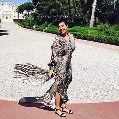Das Leo-Print-Kleid, das Kris Jenner sich für eine Party in Cannes ausgesucht hat kommt Ihnen bekannt vor? Uns nämlich auch...