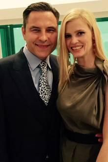 Comedian David Walliams und seine Modelehefrau Lara Stone zählen zu den erlesenen Gästen bei der Trauung von Elton John und seinem langjährigen Partner David Furnish.