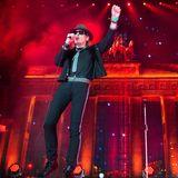 9. November 2014: In Berlin wird der 25. Jahrestag des Mauerfalls gefeiert. Stars wie Udo Lindenberg treten beim Bürgerfest vor dem Brandenburger Tor auf.