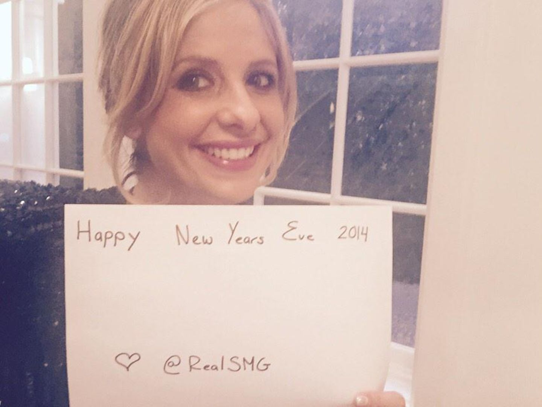 Sarah Michelle Gellar bedankt sich für das großartige Jahr 2014.