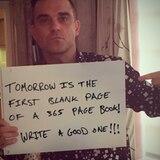 """Robbie Williams schreibt an Silvester: """"Morgen ist die erste leere Seite eines 365-Seiten-Buches. Macht was Gutes draus!"""""""