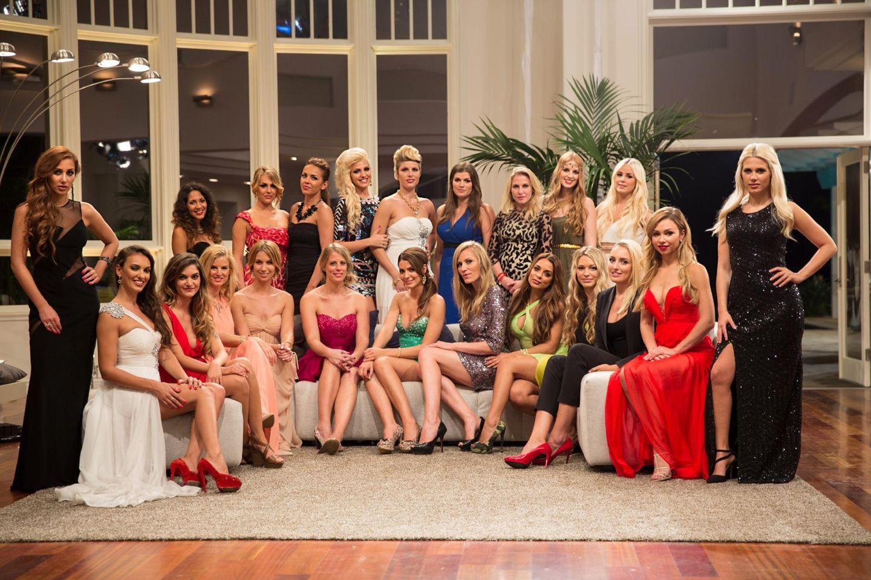 Harte Konkurenz! Diese bezaubernden Damen wollen Oliver Sanne von sich überzeugen.