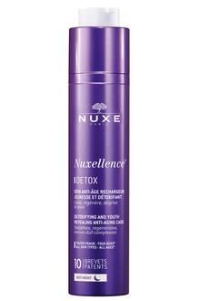 """Glättendes Serum für die Nacht, das die Zellentgiftung der Haut stimuliert: """"Nuxellence Detox"""" von Nuxe, 50 ml, ca. 50 Euro"""