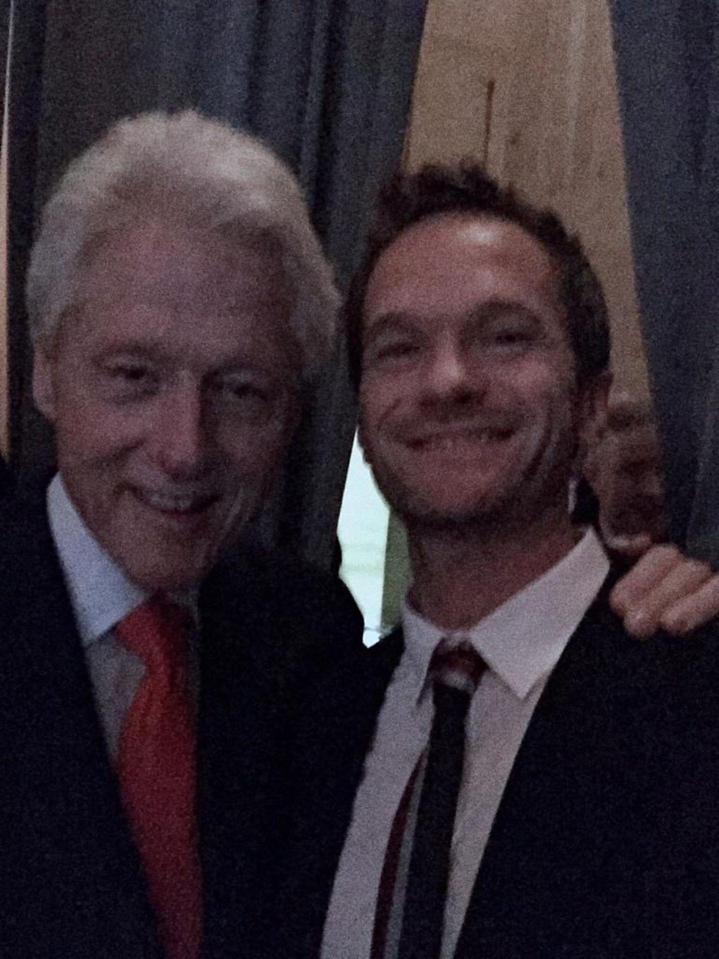 """März 2015   Selbst Neil Patrick Harris kommt diese Begegnung mit Bill Clinton surreal vor, aber nicht wirklich unerwartet. Schließlich ist Neil Patrick Harris bei einem Event der """"Clinton Foundation"""" ."""