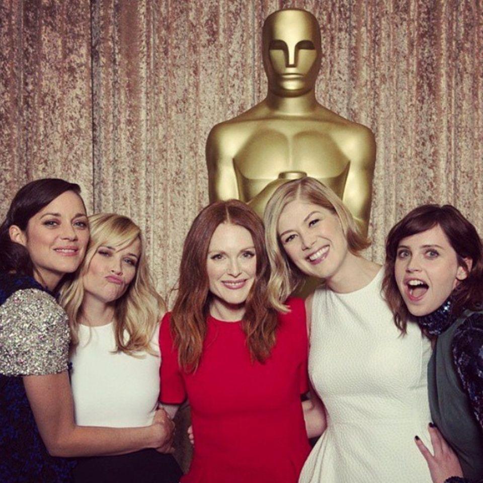 Februar 2015   Diese Ladies halten vielleicht bald den Oscar in der Hand. Von Links: Marion Cotillard, Reese Witherspoon, Julianne Moore, Rosamund Pike und Felicity Jones.