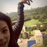 Dezember 2015  Eva Longoria hingegen rückt den Taj Mahal in Position.