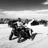 August 2015  Channing Tatum freut sich über seine bestandene Motorrad-Prüfung.