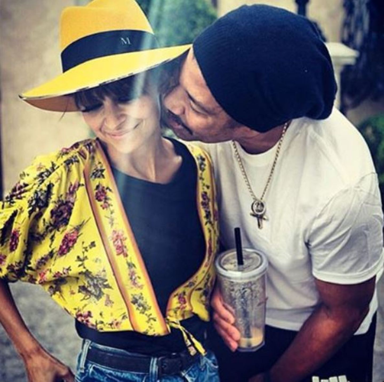 September 2015  Lionel Richie gratuliert seiner Tochter Nicole mit diesem süßen Foto auf Instagram.