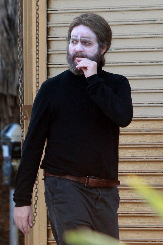 18. Oktober 2015: Passend zu Halloween sieht man Zach Galifianakis am Set eines Films in West Hollywood.