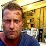 16. Juli 2015: Til Schweiger kriegt wohl wieder ordentlich auf die Mütze. Zur Zeit dreht er in Instanbul den ersten Kino-Tatort und postet auf Facebook dieses Selfie.