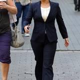 """7. Mai 2015: Im Anzug, mit pinken Turnschuhen und sehr konzentriert läuft Hayden Panettiere am Set von """"Custody"""". Es ist ihr erstes Filmprojekt nach Töchterchen Kayas Geburt."""