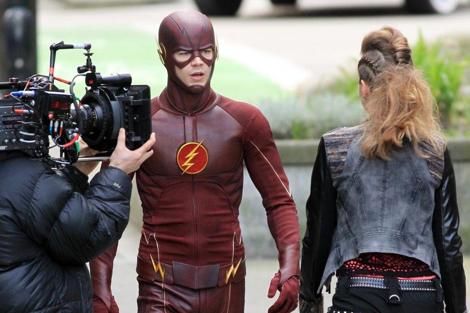 """16. Februar 2015: Grant Gustin schlüpft für die Comic-Verfilmung """"The Flash"""" in einen hautengen Anzug."""
