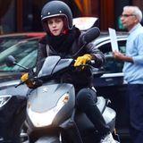 """4. November 2015: Kristen Stewart steht für """"Personal Shopper"""" in Paris vor der Kamera."""