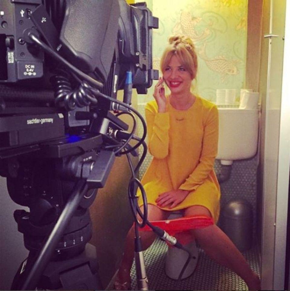 """3. September 2015: Susan Sideropoulos gewährt bei den Dreharbeiten zur Serie """"Mila"""", die am 7. September startet, ganz schön intime Einblicke."""