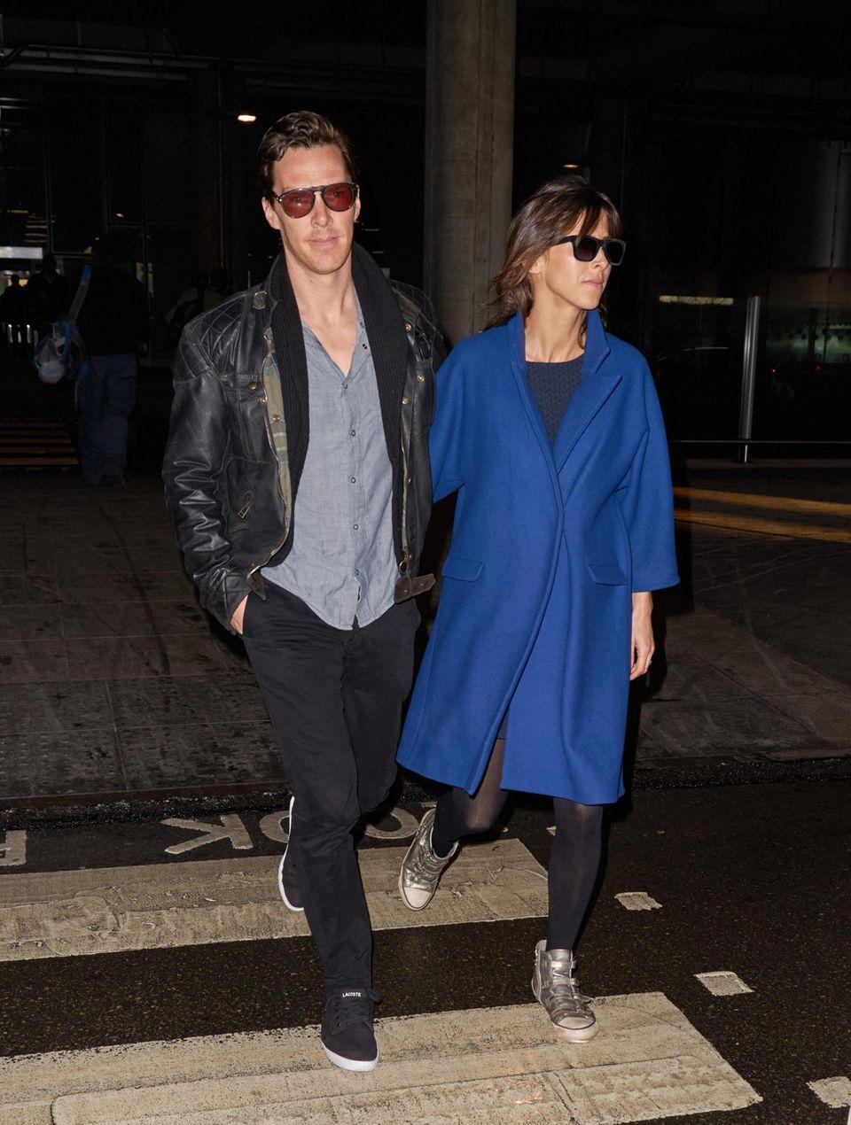 """13. Januar 2015: Nach ihrem Besuch bei den """"Golden Globes"""" sind Benedict Cumberbatch und Sophie Hunter auf dem Weg zum """"Heathrow Airport""""."""