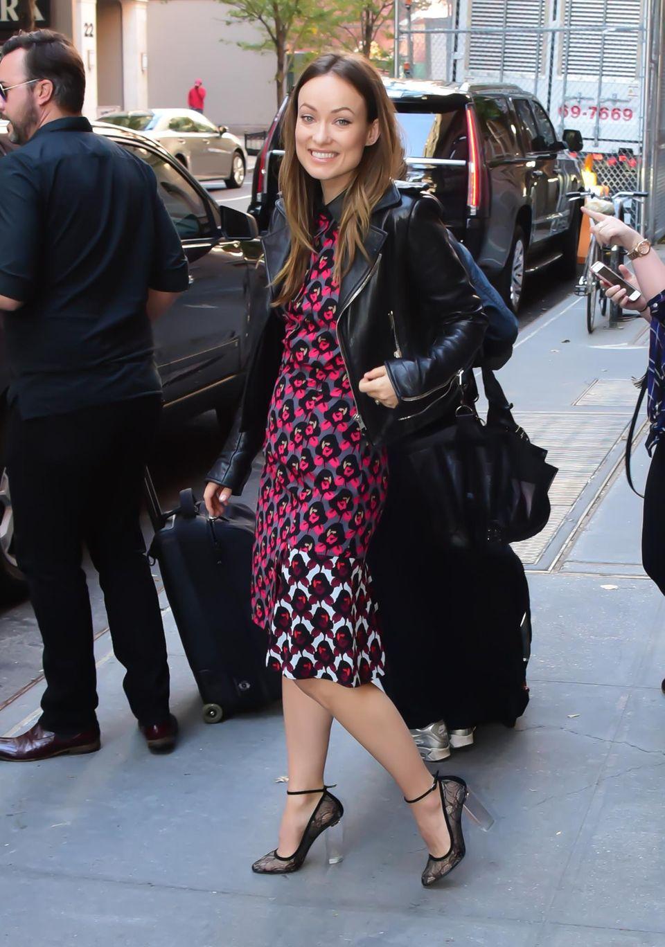 """12. Oktober 2015: Olivia Wilde kommt aus den """"The View""""-Studios in New York."""