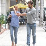 27. Oktober 2015: Diane Kruger und Joshua Jackson spazieren amüsiert durch Beverly Hills.