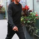 15. Juli 2015: gutgelaunt Jay Z verlässt sein New Yorker Büro.