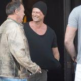 """10. August 2015: Til Schweiger gönnt sich während der Dreharbeiten zur einer neuen Folge """"Tatort"""" ein Päuschen vor dem Hotel De Rome in Berlin."""