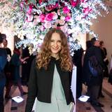 Chiara Schoras besucht ebenfalls die Show von Dorothee Schumacher.