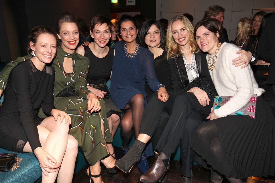 Lauter gut gelaunte Star-Gesichter bei LaLa Berlin: Lavinia Wilson, Heike Makatsch, Christiane Paul, Designerin Leyla Piedayesh, Jasmin Tabatabai, Nina Hoss und Fritzi Haberlandt