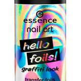 """""""Hello Foils""""-Nagelfolien  in """"Hello Flashy – 01"""" von Essence, ca. 2 Euro."""