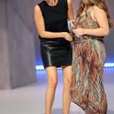 """Jennifer Lopez + Mandy Capristo: Steht ihr auch gut! Mandy zeigt sich mit diesem Leder-Look aber erst in der jetzigen Staffel von DSDS. """"Deutschland sucht den Superstar"""" im Special bei RTL.de"""