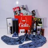 Die Goodie Bags beim GALA Fashion Brunch waren heiß begehrt.   Wir bedanken uns an dieser Stelle noch einmal ganz herzlich bei unseren Sponsoren und Partnern:  Maybelline, essie, SOCCX, L'Oréal Professionnel, Pommery, Mercedes-Benz, Romanowski, evian, Badoit, Nespresso