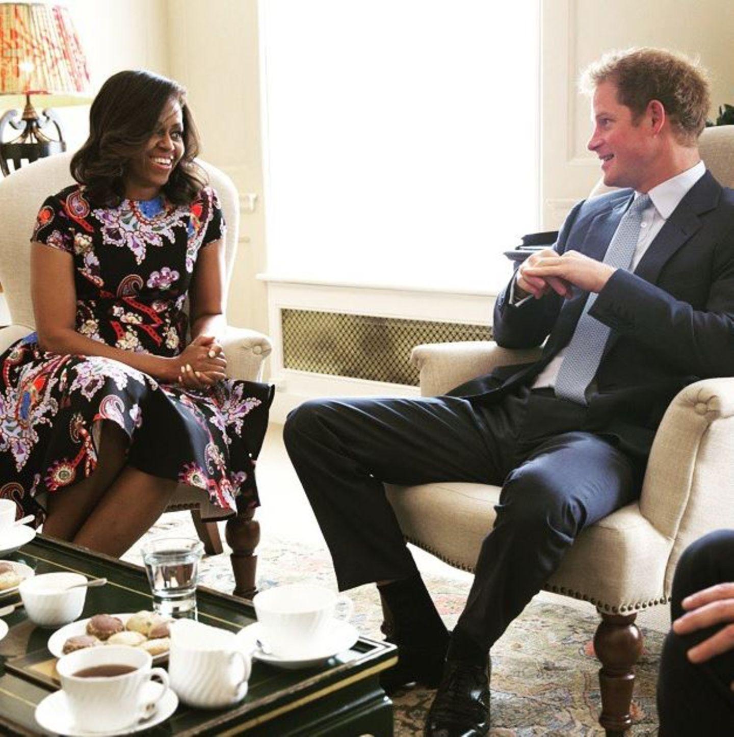 16. Juni 2015: Prinz Harry empfängt First Lady Michelle Obama in London.