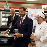 17. November 2015: Prinz Haakon von Norwegen besucht eine Markthalle in Rio de Janeiro.