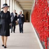 11. November 2015: Herzogin Camilla und Prinz Charles besuche die australische Hauptstadt Canberra.