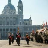 6. Januar 2015: König Felipe schreitet während der Epiphaniastags-Feiern die Truppenparade in Madrid ab.