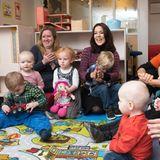1. Dezember 2015: In der Vorweihnachtszeit besucht Prinzessin Mary im dänischen Farum ein Kinderheim.