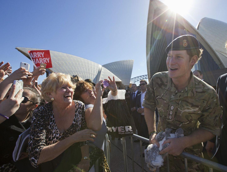 7. Mai 2015: Prinz Harry wird vor der Oper in Sydney gefeiert wie ein Popstar.