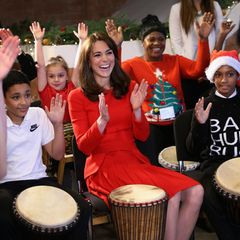 """15. Dezember 2015: Herzogin Catherine und die Kinder haben auf der """"Anna Freud Centre Family School Christmas Party"""" in London jede Menge Spaß."""