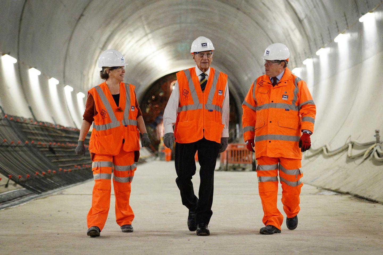 4. November 2015: Prinz Philip besucht die Baustelle der neuen Crossrail Station in Farringdon in London.
