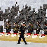 24. April 2015: Prinz Charles nimmt an Gedenkveranstaltungen in Gallipoli (Türkei) teil.