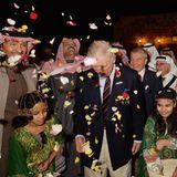 11. Februar 2015: Prinz Charles ist auf einer Rundreise durch den Mittleren Osten. In Al Ula (Saudi Arabien) wird er mit einem echten Blütenregen empfangen.