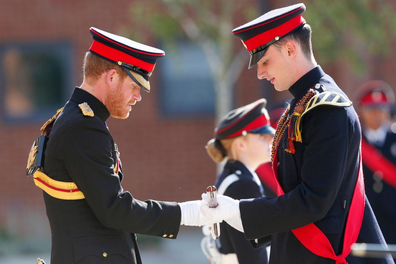 """28. September 2015: Prinz Harry besucht die """"The Duke of York's Royal Military School"""" in Dover."""