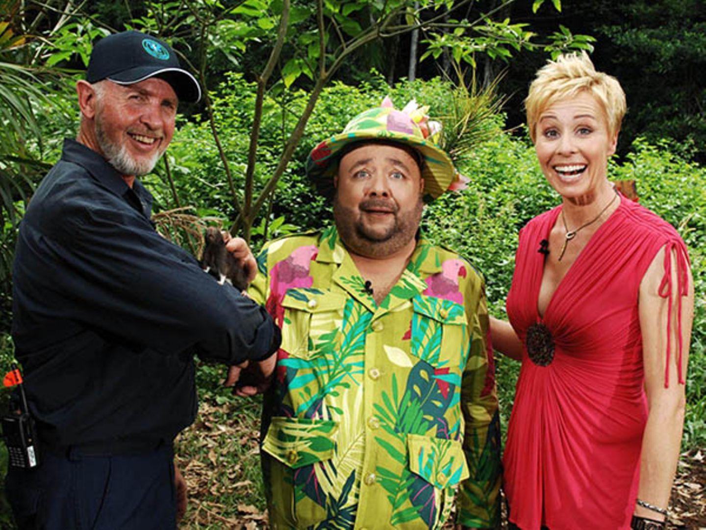 Dr. Bob - der Arzt, dem die Promis vertrauen! Er kennt den Dschungel wie kein zweiter, bereitet die Kandidaten auf ihre Prüfunge
