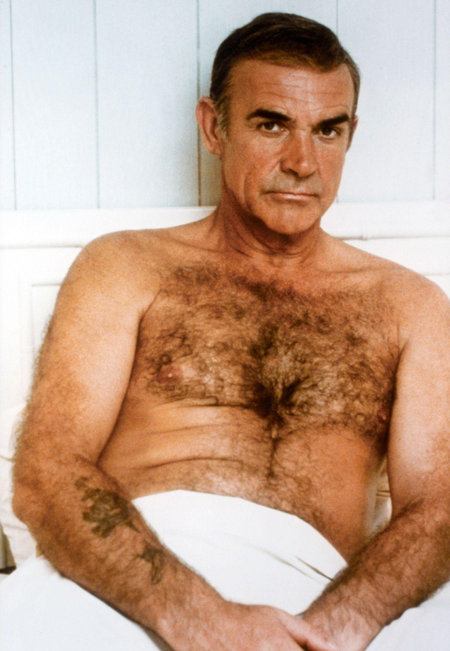 """Für viele verkörpert er den Geheimagenten """"James Bond"""" am besten. Der Schauspieler Sean Connery hat seinen Gentleman-Charme von damals bis heute nicht verloren."""