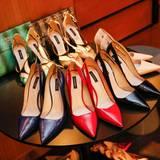 """Abseits der Party dürfen die weiblichen Gäste in edles Schuhwerk von """"Escada"""" schlüpfen."""