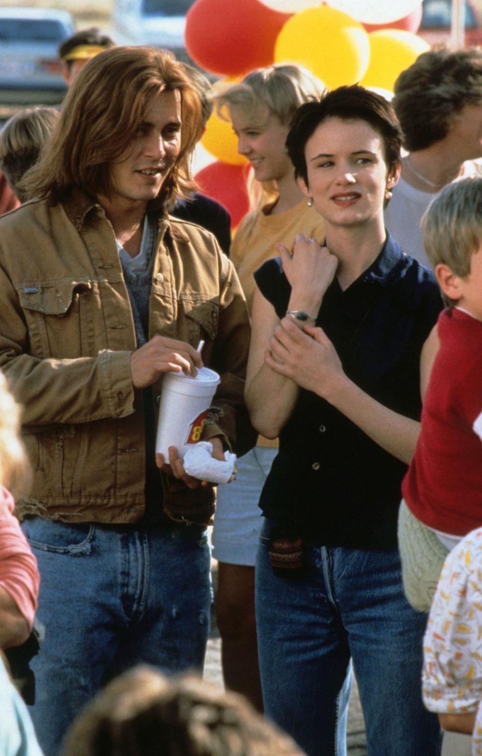 """Juliette Lewis  Während der Dreharbeiten von """"Gilbert Grape"""" wird Johnny und Juliette ein Techtelmechtel nachgesagt."""