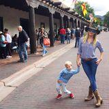 5. Oktober 2015  Gemeinsam besuchen Reese Witherpoon und Sprössling Tennessee eine Pferderanch.