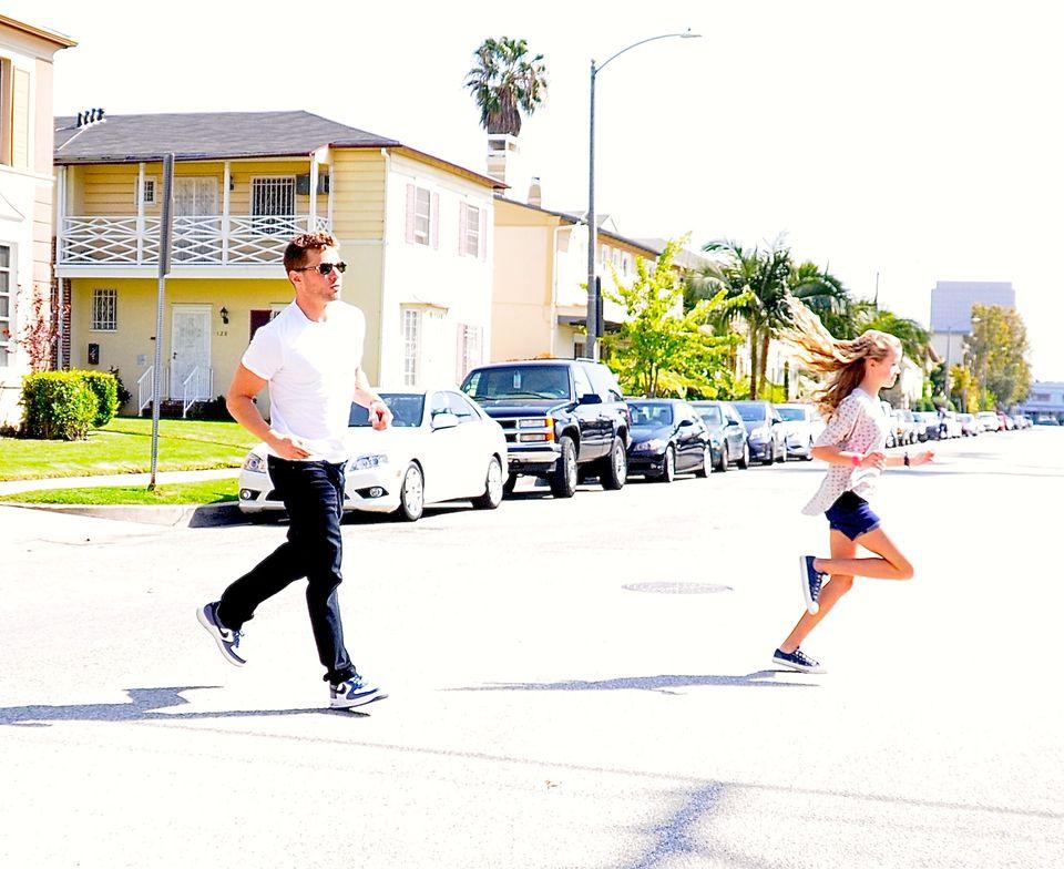 27. März 2013: Ryan Phillippe und Tochter Ava sind in West Hollywood auf schnellem Fuß unterwegs.
