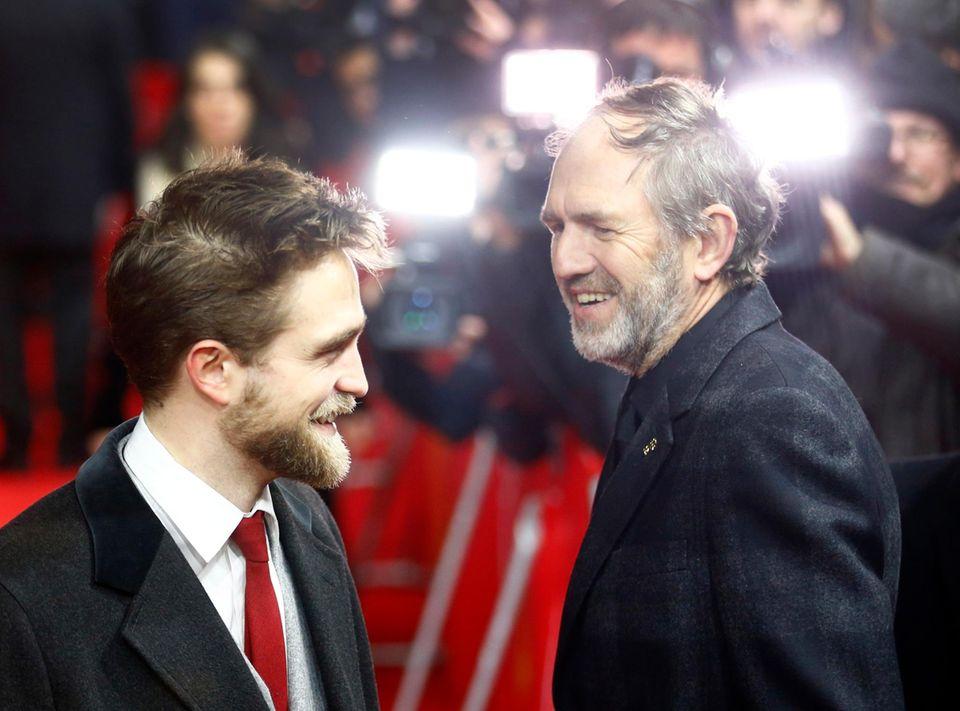 """Robert Pattinson und Anton Corbijn freuen sich auf die Premiere von """"Life""""."""