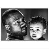 """Kim Kardashian postet ein Foto von Ehemann Kanye und Töchterchen North, und betitelt es schlicht """"Meine Lieblinge""""."""