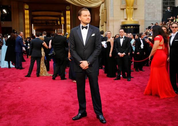 """Leonardo DiCaprio - 5 Nominierungen  Fünf Mal war Leonardo DiCaprio schon nominiert. 2014 steht der Schauspieler noch voller Hoffnung, endlich den Goldjungen für seine Leistungen im Film """"The Wolf of Wall Street"""" abräumen zu können, auf dem roten Teppich. Leider geht er auch bei seiner fünften Nominierung leer aus."""
