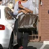 Nene Leakes' Vorliebe für Luxustaschen von Louis Vuitton ist in Hollywood längst legendär. Selbst auf dem Weg ins Sportstudio verstaut sie ihre Utensilien in einer riesigen Shopping-Bag des französischen Labels.
